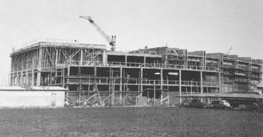 La fabbrica della Rca in costruzione a Roma negli anni cinquanta